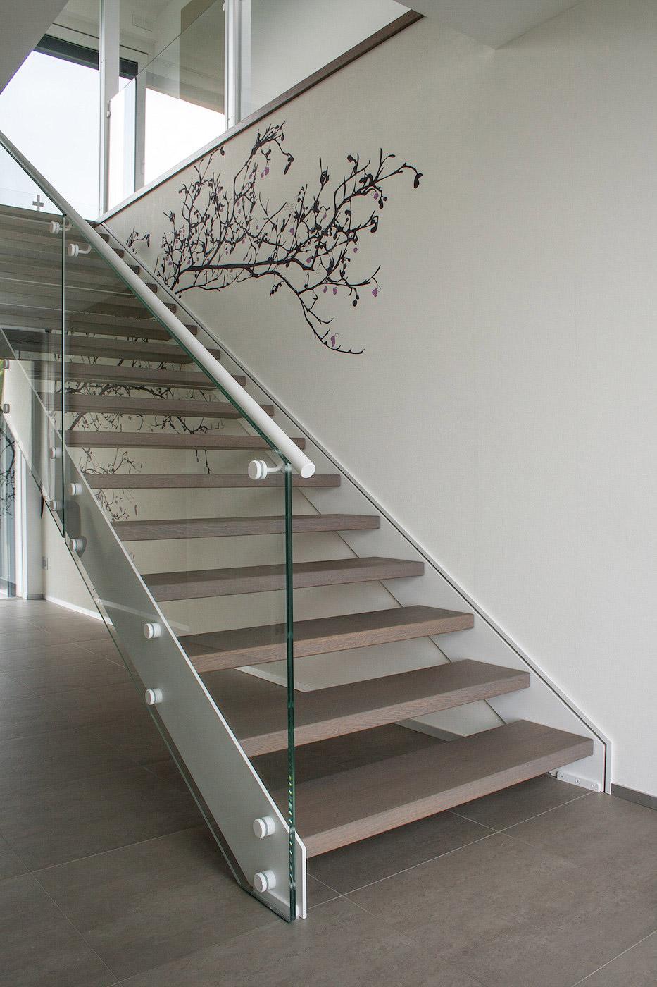 Scale moderne in acciaio idee creative su interni e mobili - Mobili in acciaio ...
