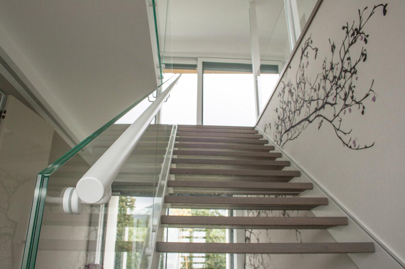 Scala in acciaio legno e vetro de stalis scale - Casa in acciaio e vetro ...